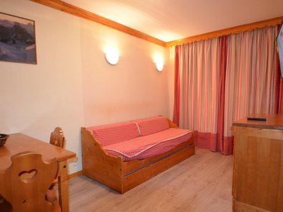 Photo for Surface area : about 25 m². 5th floor. Orientation : South. Living room with bed-settee for 1 person