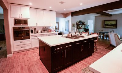 Eat in Gourmet Kitchen, fully equiped!