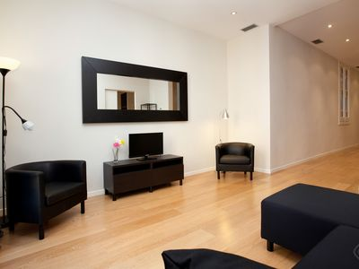 Photo for Modern Center B apartment in Eixample Esquerra with WiFi, air conditioning, balcony & lift.