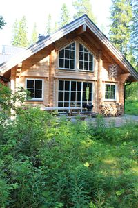 Photo for The Lynx lodge ... cozy lakeside cottage ..