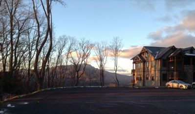 Chalakee Lodge CB-2/Close to High Country Attractions/Gated Resort/Pools - Last minute Discount a...