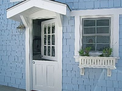 Cute Cottage,1.5 block from sand+Bikes+Boats+Laundry+WiFi+HDTV,near Santa Monica