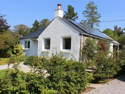 Photo for Seabank Cottage is in a peaceful location with views to Rough Island