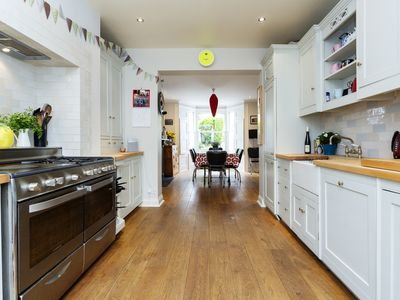 Photo for Four bedroom home in the lovely neighbourhood of Highbury (Veeve)