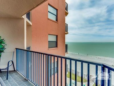 Photo for Check out this GREAT VALUE!  404 is a 2/2 that sleeps 4,