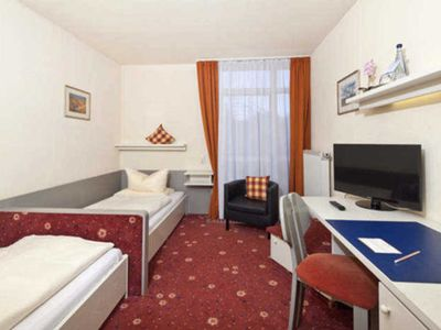 Photo for Single room with toilet and shower - AKZENT Hotel Restaurant Höhenblick