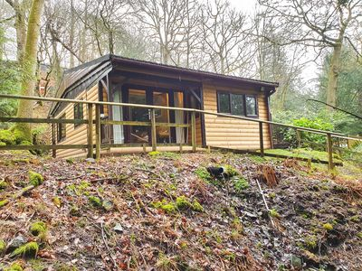 Photo for Log cabin, sleeping 4 with free onsite leisure club
