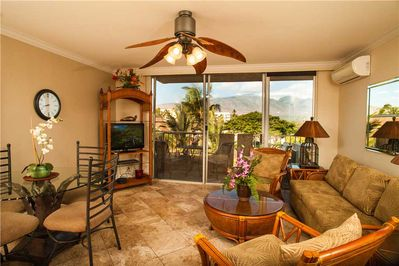 Open floor plan to lanai with panoramic views
