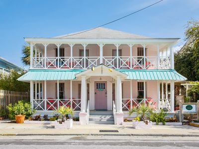 Historic 1930c Inn- 8BR/8BA Separate Suites All-in-One Sleeps 16! 400ft to Beach