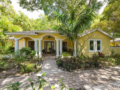 Experience best location. Museums, Lido &  Longboat Key, St. Armand's Circle.