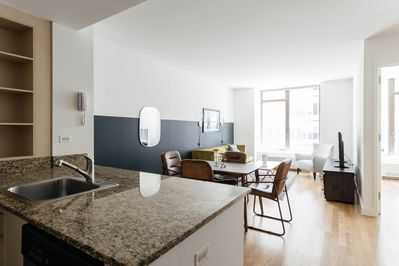 Sonder | Hanover Square | Charming 1BR + Rooftop - Financial District