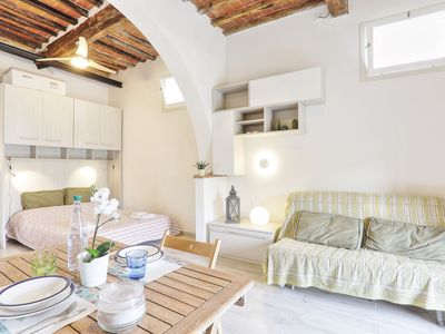 Photo for Charming apartment with sea view - Monolocale in villa d' epoca
