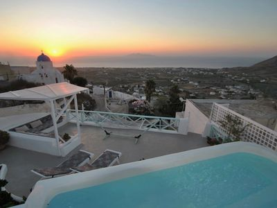 Photo for 3BR Villa Vacation Rental in Exo Gonia, Egeo