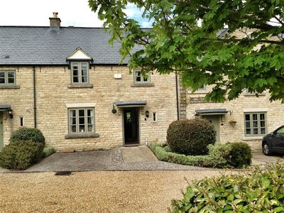 Photo for Stow Cottage, STOW-ON-THE-WOLD