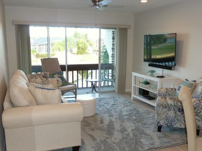 Photo for Lovely updated 2BR / 2BA condo on canal in Punta Gorda Isles