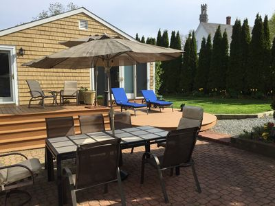 Photo for 5 bed , Central location,  Sleeps 5-10 , Parking, Laundry, Privacy, Quiet. AC.