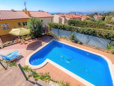 Photo for Villa with private pool, sea views, 5 bedrooms, wifi and parking