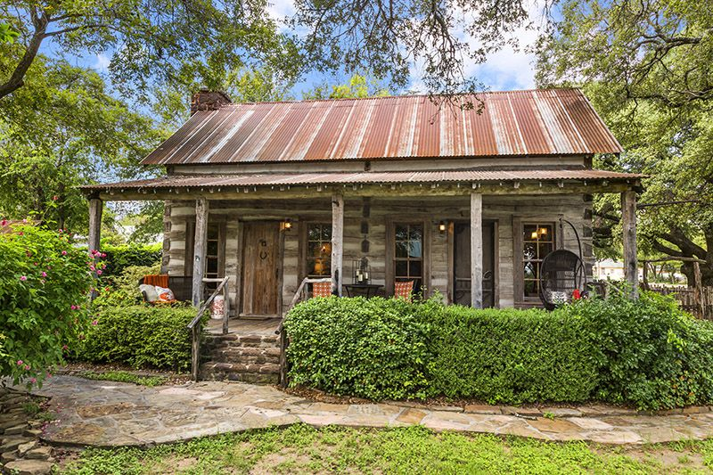 a historic Texas cabin rental from the 18th century