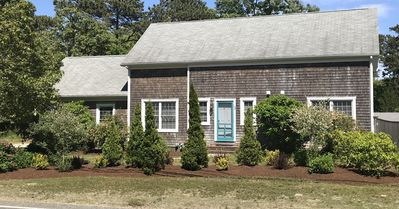 Newer 4 bedroom, 2 1/2 bath home with Central A/C in beautiful Orleans, sleeps 9