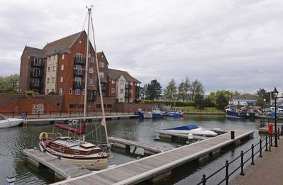Photo for Family friendly 3-bed house with views over inner waterway