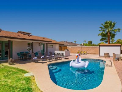 Photo for Newly renovated home in the heart of the Scottsdale entertainment district!