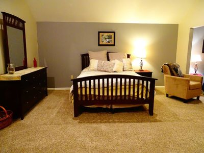 Photo for Cozy in Coraopolis-Suite B