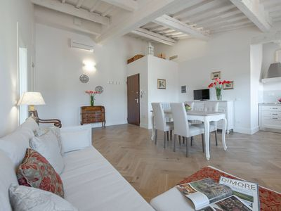 Photo for Sunrise View - 1 bdr. apartment a few steps from S. Croce Basilica, Florence