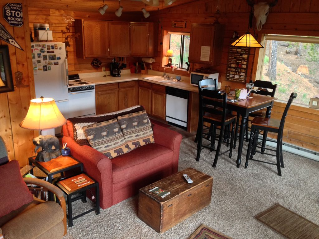 full vrp htm log table hot tub claim cabins the colorado gorgeous bedroom with pool rentals copy tubs pet bath cabin springs