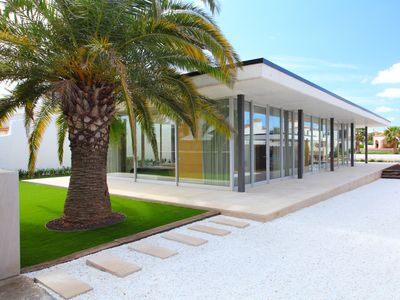 Photo for Modern and exclusive Villa in the channel