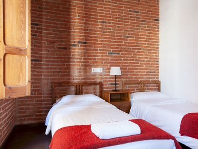 Photo for Lovely classic Apartment for families by Sagrada Familia with free wifi