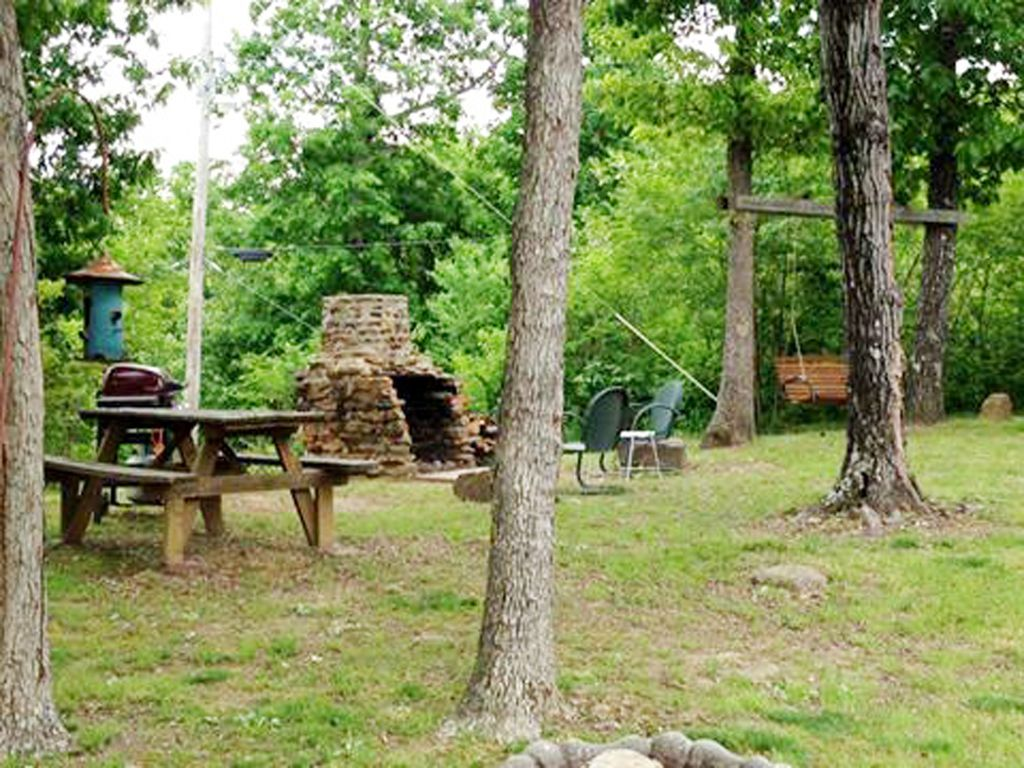 Private cabin overlooking the ozark mountains peaceful for Ozark national forest cabins
