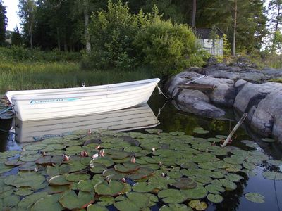 Photo for Cozy cottage / guesthouse at lake Mjörn, outside Alingsås