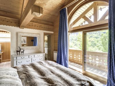 Photo for Chalet with services. Sauna & jacuzzi. Mountain view. Adjoining studio