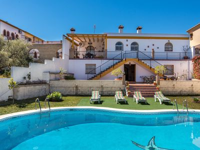 Photo for Luxurious Villa with Large Pool, Terrace, Balcony, Garden, Wi-Fi and Air Conditioning; Pets Allowed