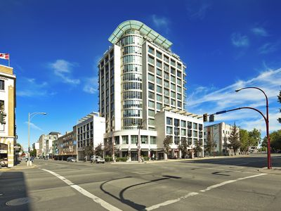 Photo for 1Bdr 10th Floor Condo, Fully Furnished Downtown Victoria w parking & city views
