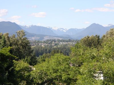 Photo for Luxury vacation just minutes from Vancouver, White Rock, lakes and mountains.