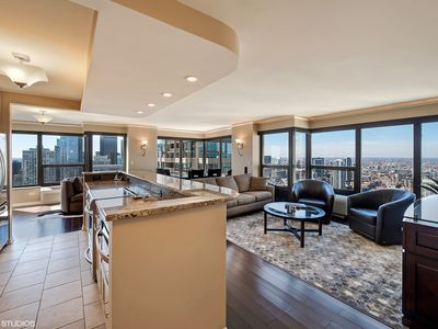 Photo for BEST LOCATION!! Overlooking Mag Mile, 51st Floor AMAZING Views, Great Amenities!