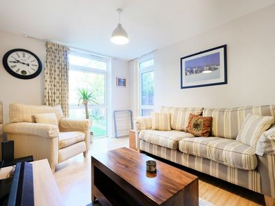 Photo for Fantastic, Spacious 1BR Garden Flat With BBQ