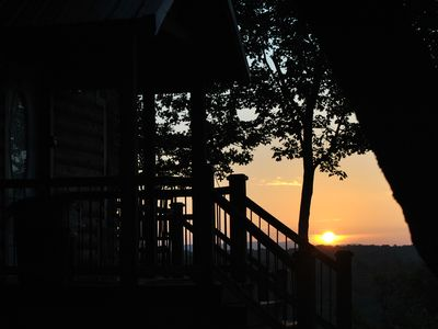 Photo for Secluded, luxurious cabin perched above Eagle Fork Creek with sunrise views.