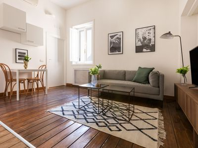Photo for Charming 1BR in Trevi by Sonder