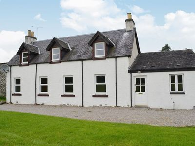 Photo for 4 bedroom property in Beauly.
