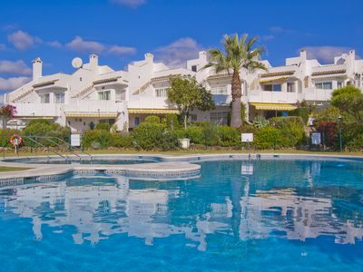 Photo for Beautiful sea view townhouse in Calahonda, 4 pools, 3 beds, sleeps 6-8