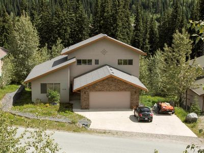 Photo for Vacation home with lots of amenities and convenient location to ski runs nearby