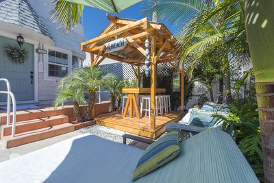 Large Patio with Private Beach Access to the Bay.