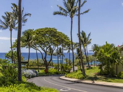 Photo for Maui Kamaole J-201 Large & Bright End Unit. Looking for a last minute getaway? 30% off May stays!