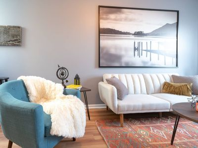 Photo for Lago 2 Bed (Sleeps 6) Downtown Pilsen  | Alto by Cloud9