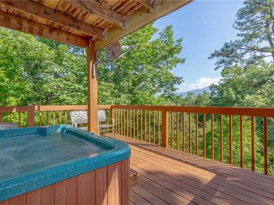 Photo for Mountain Memories, 4 Bedrooms, Sleeps 10, Game Room, Mountain Views, Hot Tub