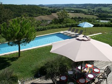 Luxury Villa, Modern French. Peaceful, total comfort, huge heated private pool