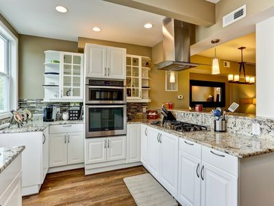 Photo for Family-friendly rowhome - gourmet chef's kitchen and space to entertain!