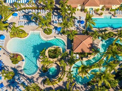 Photo for Naples Bay Resort 2 Bedroom Villa. Minutes from the beach!